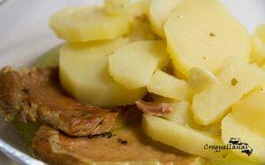 Receta de cocido de patatas con frito de lomo de cerdo