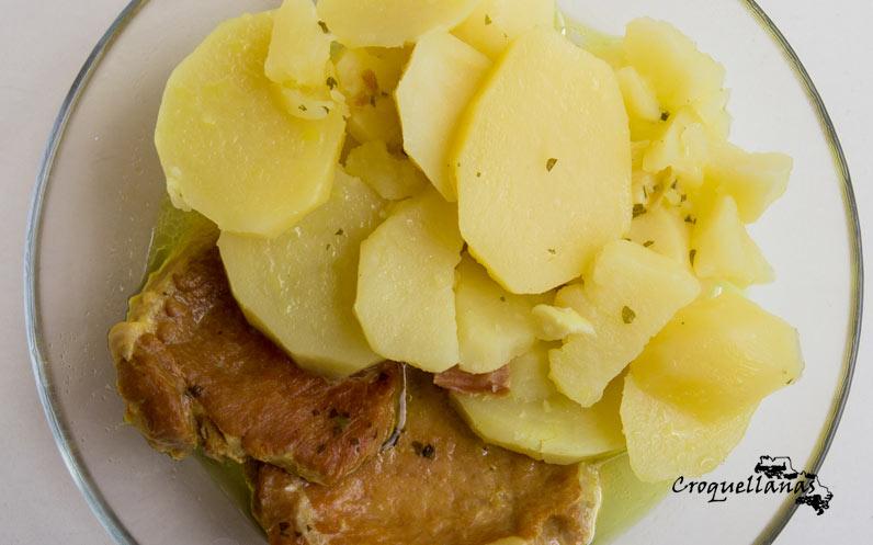 Receta de cocido de patatas con frito de lomo