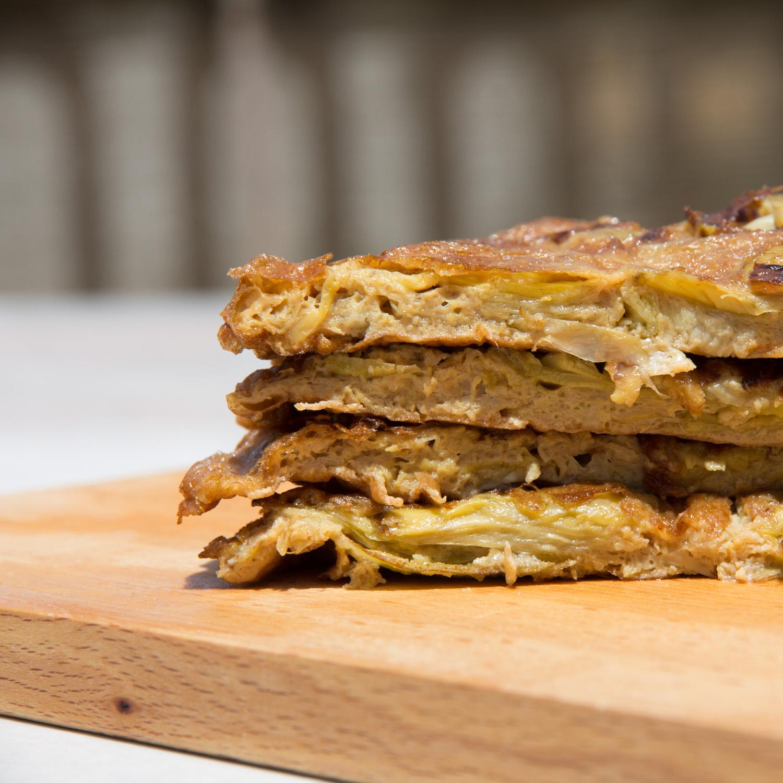 Tortilla alcachofas en aceite